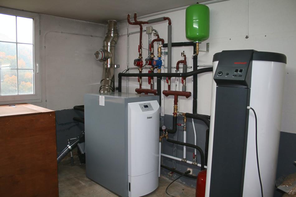 Bordatxuri instalaci n y mantenimiento de sistemas de for Caldera de pellets para radiadores